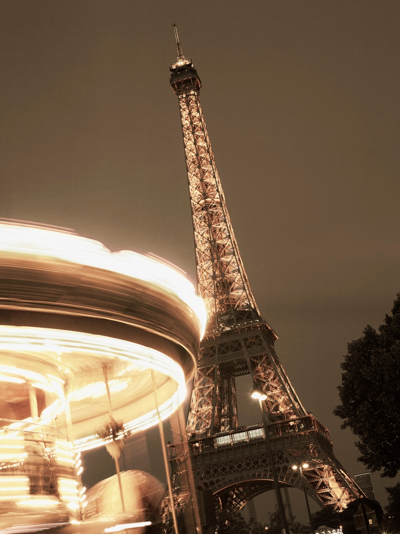 13Mr_Perswall_Paris868_light