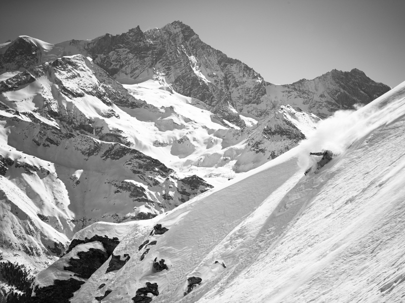 Stefano Sciuto skiing in Val d'Anniviers
